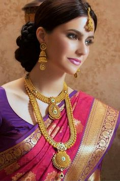 Wedding jewelry is a vital part of bridal wear. Many brides underestimate the need for selecting the most appropriate jewelry. Gold Bridal Jewellery Sets, Indian Wedding Jewelry, Indian Bridal, Gold Jewelry, Indian Jewelry Sets, India Wedding, India Jewelry, Saree Wedding, Wedding Dresses