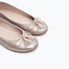 Image 7 of METALLIC BALLERINAS WITH BOW AND BEAD DETAIL from Zara