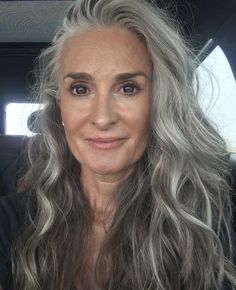Looking Foxy, Dare To Go Gray! Looking Foxy, Dare To Go Gray! Related posts:Classic at WavesFriday Fun Stuff Tips for Going Gray - Cindy Hattersley Design Grey Hair Wax, Grey Hair Over 50, Long Gray Hair, Grey Wig, Brown Ombre Hair, Silver Grey Hair, Ombre Hair Color, Lilac Hair, Pastel Hair