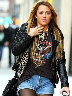 Her hair is so long.. I want!