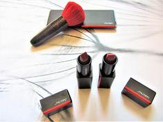 Coucou, je vous propose de bénéficier de moins 10% avec le code promotionnel TCB10  sur le site Notino  (il ne s'applique pas aux produits en promotion) et le code est valable jusqu'au 14 juin 2020. #codespromo #codepromo #bonsplans #bonplan #notino #parfumerie #shiseido Rimmel, Japanese Beauty, Shiseido, Beauty Routines, Eyeshadow, Lipstick, Collaboration, Promotion, Applique