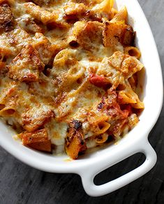 Penne pasta with butternut au gratin - Yummy Food Recipes Veggie Recipes, Crockpot Recipes, Vegetarian Recipes, Healthy Recipes, Dinner Recipes, Food Porn, Good Food, Yummy Food, Batch Cooking