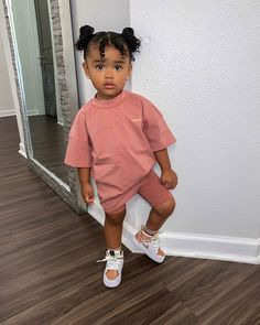 𝐒í𝐞𝐧𝐚 𝐏𝐫𝐞𝐬𝐥𝐞𝐲 𝐒𝗺𝐢𝐭𝐡 (@sienapresley) • Instagram photos and videos Cute Kids Fashion, Baby Girl Fashion, Toddler Fashion, Cute Mixed Babies, Cute Black Babies, Cute Little Girls Outfits, Kids Outfits Girls, Mix Baby Girl, Cute Kids Photography