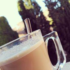 Buenos días!  Empezar con un buen café y con este tiempo, no tiene precio.  Parece que hoy puede ser un gran día 😉. Feliz Sábado.  #bondia #buenosdias #felizsabado #cafe #cafeconleche #turis #valencia