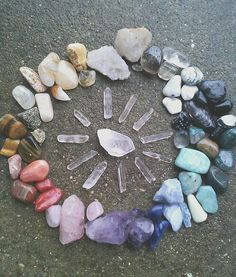 Crystal Grid | The purpose of a crystal grid is to tap into the Universal Life Force; by combining multiple crystals, generally in a mandala-type shape, you access more energy and power from the crystals.