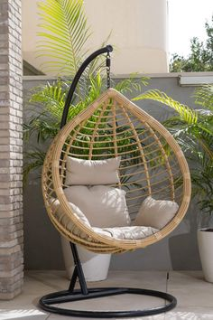 First Apartment, Cozy Corner, Swinging Chair, Diy Bedroom Decor, Home Decor, My Dream Home, Decoration, Backyard Landscaping, Landscape Design