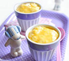 Petit suisse à la mangue, dès 10 mois. Plus de recettes pour bébé sur www.enviedebienmanger.fr/idees-recettes/recettes-pour-bebe
