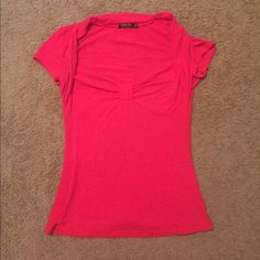 Red short sleeve shirt Cute short sleeve shirt. This runs slightly small Pattyboutik Tops Tees - Short Sleeve
