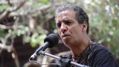 """LUIS PEREQUÊ - AVE-MARIA-DO-MATO  = Luís Perequê, atualmente, é considerado o principal interlocutor da Cultura Caiçara, frente à modernidade e ao diálogo universal que busca o equilíbrio entre o respeito à diversidade e o intercâmbio dos conteúdos culturais que constituem o patrimônio da humanidade. Gravou seu primeiro disco em 1992, """"Encanto Caiçara"""", patrocinado pela Fundação Botânica Margareth Mee.   Em 2006, lançou o CD, """"Eu, Brasileiro"""". [...]"""