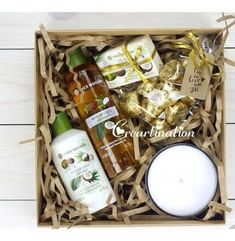 Gift Box A gift with Yels Rochen shower gel and milk Christmas Gift Box, Holiday Gifts, Creative Gifts, Cool Gifts, Craft Gifts, Diy Gifts, Customised Gifts, Free Printable Gift Tags, Free Printables