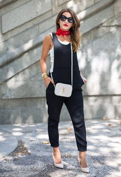 Red Will Be Redjumpsuit: Mango (s/s 15) (similar here and here) top: Stradivarius (old) bag: Yves Saint Laurent (more colores here) foulard: Zara (s/s 15) (similar here and here) shoes: Liu Jo...
