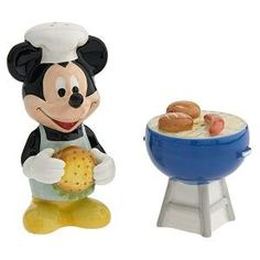 Mickey Mouse family picnic BBQ salt & pepper shaker set