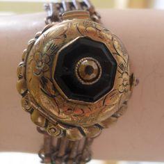 love this Locket Bracelet Edwardian Jewelry, Antique Jewelry, Vintage Jewelry, Antique Locket, Hair Jewelry, Jewelry Bracelets, Jewlery, Jewelry Box, Necklaces