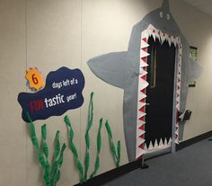 Shark door with countdown