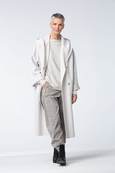 Order our Coat Ataka 812 from our OSKA Autumn/Winter 2018 collection today Modest Fashion, Fashion Outfits, Womens Fashion, Oska Clothing, Monochrome Fashion, Advanced Style, Russian Fashion, Jackett, Mode Style