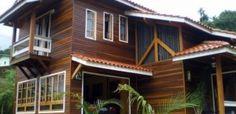22 casas pré-fabricadas em madeira e idéias de projeto\  http://www.vaicomtudo.com/casas-pre-fabricadas-em-madeira.html