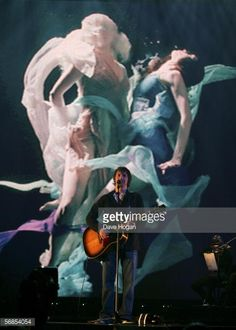 James Blunt rehearses ahead of The Brit Awards 2006