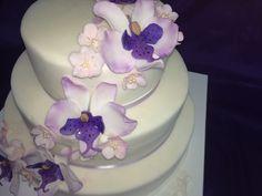 Ein süßer #Blumen #Gruß zur #Hochzeit und zum #Geburtstag. #Traumtorten aus der #Konditorei in Bad Wiessee