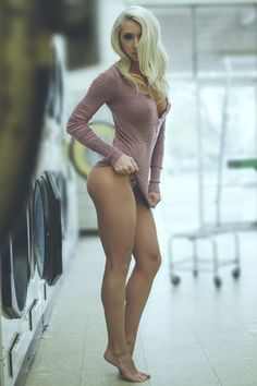 Woman naked Bottomless nude porn