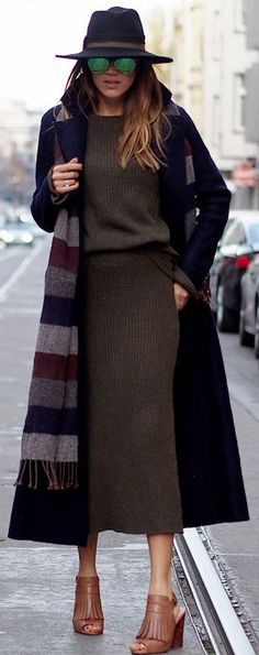 Hello Shopping Hat And Striped Scarf Fall Street Style Inspo #Fashionistas