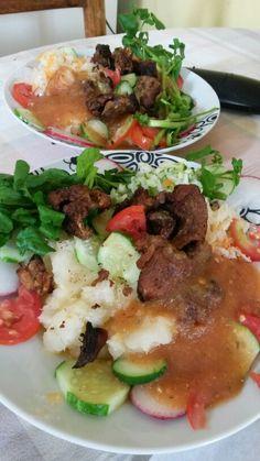 yuca sancochada #comidasalvadoreña #salvadoreanfood #chicharron #micocina #marielcastillo #mipasion