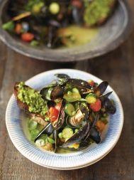 Pesto mussels & toast