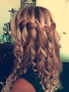 waterfall braid with curls! how cute?