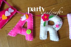 felt name banner partyandcraft