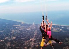Skydiving with our Chicago Club! #singles #eventsandadventures #skydiving #singlesevents #singlesclub #adventures #dating #chicagosingles