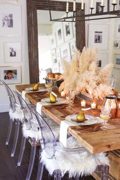 Neutral Thanksgiving Table with pampas grass and gold accents. A foraged centerpiece perfect for Thanksgiving. Thanksgiving Decorations Outdoor, Thanksgiving Table Settings, Thanksgiving Centerpieces, Holiday Tables, Christmas Tables, Christmas Christmas, Bohemian Christmas, Thanksgiving 2020, Seasonal Decor