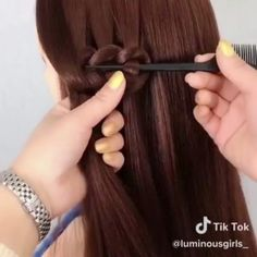 "4,104 Me gusta, 52 comentarios - HairVideo4You (@hairtutorial4you) en Instagram: ""1 or 2??? 💛💛💛 Follow us @hairtutorial4you  Credit: DM me for Credit please  #hairvideos…"" Hair Upstyles, Hair Videos, Bobby Pins, Braids, Hair Accessories, Drop, Thoughts, Beauty, Friends"