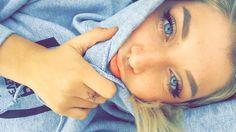 Small septum piercing and nose ring hoop Instagram:Sammi.putnam