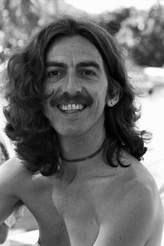 George Harrison smiling <3