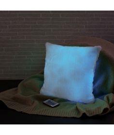 Home Deco, Throw Pillows, Bed, Toss Pillows, Cushions, Stream Bed, Home_decor, Decorative Pillows, Beds