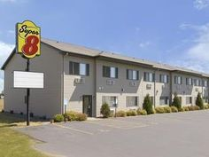 New Richmond (WI) Super 8 New Richmond Hotel United States, North America Super 8 New Richmond Hotel is conveniently located in the popular New Richmond area. The hotel offers a wide range of amenities and perks to ensure you have a great time. Disabled facilities, family room, car park, pets allowed, Wi-Fi in public areas are on the list of things guests can enjoy. Each guestroom is elegantly furnished and equipped with handy amenities. Recuperate from a full day of sightseei...