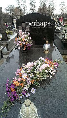 Grave Decorations, Ramadan Decorations, Table Decorations, Funeral Arrangements, Flower Arrangements, Memorial Flowers, Happy Flowers, Memorial Day, Fresco