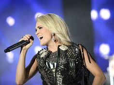 Carrie Underwood at Stagecoach Country Music Festival 2016 Country Music News, Country Music Lyrics, Country Songs, Carrie Underwood Concert, Stagecoach Festival, Festival 2016, Carry On, Music Videos, Singer