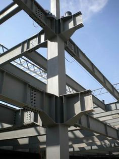 Moment resisting space frame find a use best in non earthquake region: Steel Structure Buildings, Timber Structure, Building Structure, Civil Engineering Design, Architectural Engineering, Steel Frame House, Steel House, Steel Building Homes, Building A House