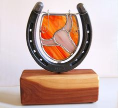 Home Decor Longhorn Western Texas Horseshoe Cedar Stained Glass Tabletop… Stained Glass Designs, Stained Glass Projects, Stained Glass Patterns, Stained Glass Art, Mosaic Glass, Fused Glass, Horseshoe Projects, Horseshoe Crafts, Horseshoe Art