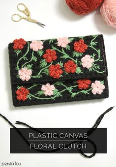 Learn how to make a floral clutch using plastic canvas and crochet flowers. Foldover Clutch, Diy Clutch, Clutch Purse, Coin Purse, Plastic Canvas Stitches, Plastic Canvas Crafts, Plastic Canvas Patterns, Clutch Tutorial, Diy Fashion Projects