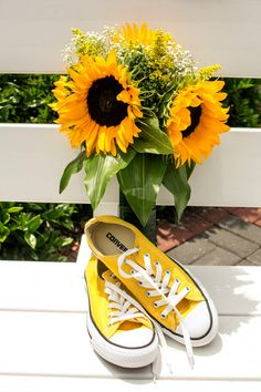 A DIY Rustic Sunflower Wedding filled with bright & fun yellow colours!