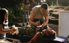 LOST 'Do No Harm' While Jack scrambles to save the life of a survivor Claire goes into labor Meanwhile Locke is missing and Sayid. Best Tv Shows, Best Shows Ever, Jack And Kate Lost, Matthew Fox, Fox Pictures, 30 Day Challenge, The Life, Shit Happens, Geronimo