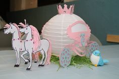 paper lantern w/horse & carriage decor ~ Cinderella Party Decorations Cinderella Party Decorations, Cinderella Theme, Cinderella Birthday, Cinderella Crafts, Cinderella Carriage, Princess Theme Party, Disney Princess Birthday, Princesse Party, Party Fiesta