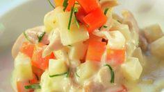 Hønsefrikassé (in Norwegian) Norwegian Food, Cantaloupe, Potato Salad, Turkey, Fish, Chicken, Snacks, Fruit, Cooking