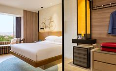 View deals for Hotel Jen Tanglin Singapore by Shangri-La. Tanglin Mall is minutes away. WiFi and parking are free, and this hotel also features 2 restaurants. Design Hotel, House Design, Sacher Wien, Hotel Sheets, Table Bar, Hotel Interiors, Design Moderne, Interiores Design, Contemporary Design