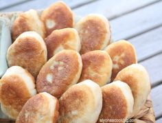 Pirozhki (piroshki), belyashi (беляши), whatever it may be called, these are a popular classic made from a yeast dough & stuffed with various of fillings Ukrainian Recipes, Russian Recipes, Russian Foods, Ukrainian Food, Croatian Recipes, Hungarian Recipes, Gourmet Recipes, Snack Recipes, Healthy Recipes