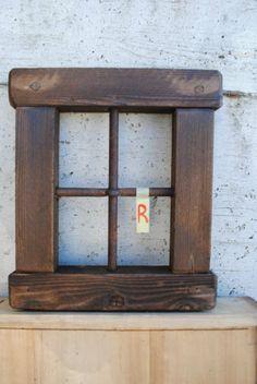 Finestra-in-legno-vecchio-R
