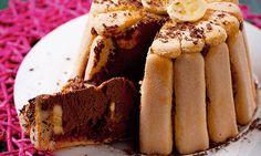 A charlotte de banana e chocolate é uma sobremesa muito agradável para terminar em grande um jantar de amigos. À prova de erro: agrada até aos mais exigentes.