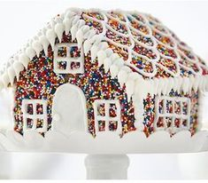 100 Best Gingerbread House Ideas White Gingerbread House, Graham Cracker Gingerbread House, Cool Gingerbread Houses, Gingerbread House Designs, Gingerbread House Parties, Gingerbread Decorations, Christmas Colors, Christmas Art, Christmas Parties