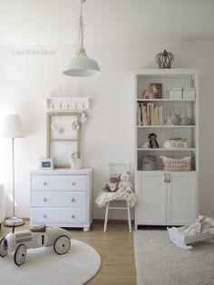 GreyWhiteHeart: lastenhuone